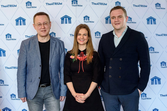 KLDT nuotr./Teatro vadovas T.Juocys (dešinėjė), I.Baužytė, teatro meno vadovas G.Grajauskas