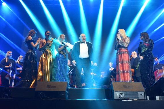 Naurimo Zavecko nuotr./Enya dainų kalėdinis koncertas