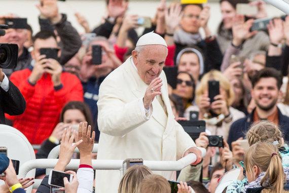 Juliaus Kalinsko / 15min nuotr./Popiežius Pranciškus Katedros aikštėje