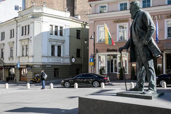 Juliaus Kalinsko / 15min nuotr./Jono Basanavičiaus paminklas