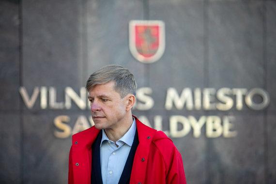 Juliaus Kalinsko / 15min nuotr./Remigijus Šimašius pristato sutartį dėl stadiono