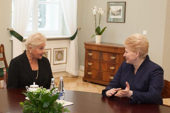 Juliaus Kalinsko / 15min nuotr./Dalia Grybauskaitė ir Danguolė Navickaitė (kairėje)