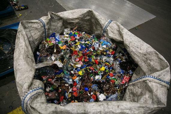 Juliaus Kalinsko / 15min nuotr./Plastikos žaliava USAD skaičiavimo centre