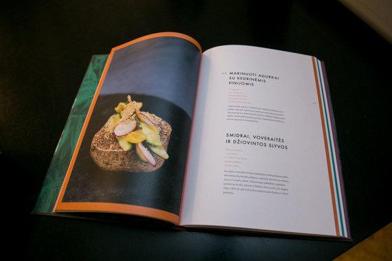 """Juliaus Kalinsko / 15min nuotr./Deivydo Praspaliausko knygos """"Aš, tu ir virtuvė"""" pristatymas"""