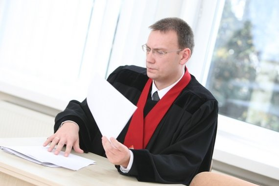 Juliaus Kalinsko/15min.lt nuotr./Aukščiausiasis Teismas su prokuroru ir abiejų šalių advokatais sprendžia, ką daryti su garsiąja pedofilijos byla.