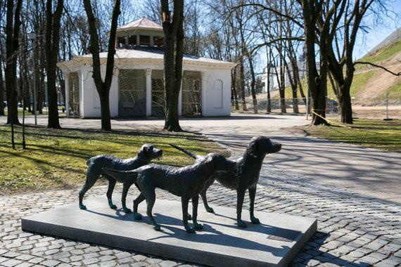 """Juliaus Kalinsko / 15min nuotr./Apleista legendinė kavinė """"Rotonda"""""""