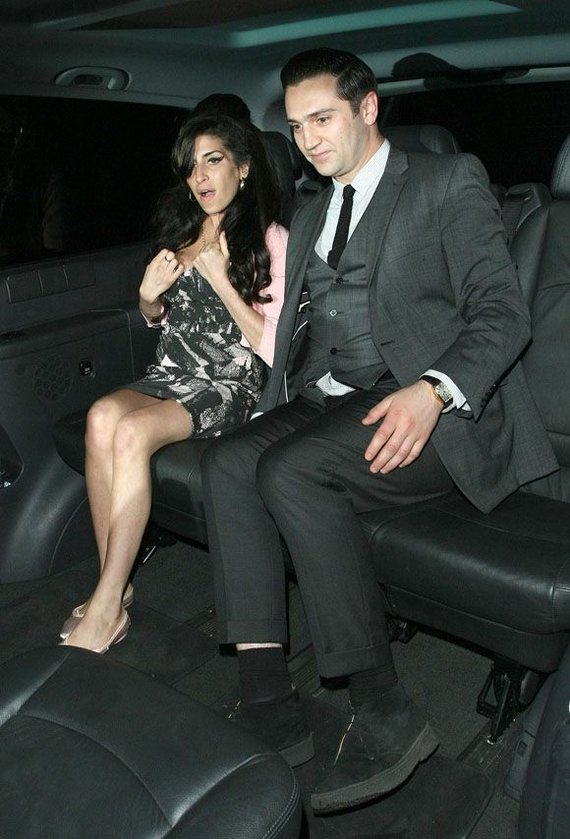 AOP nuotr./Amy Winehouse su Regiu Travissu