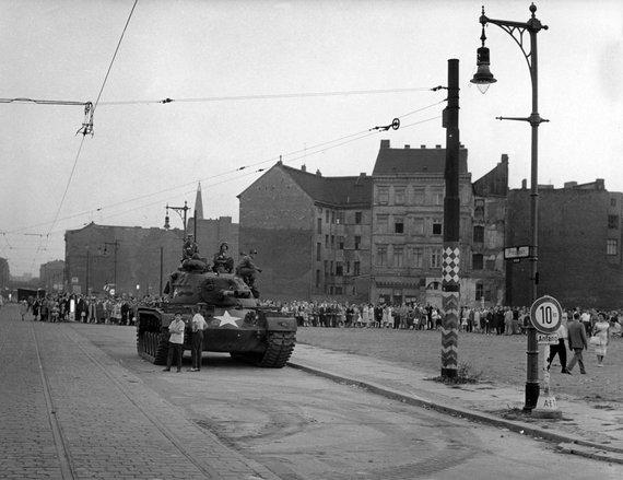 """Scanpix""/""Picture-Alliance"" nuotr./JAV tankas Berlyne 1961 metais"