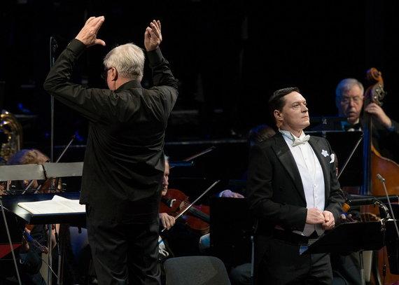 Martyno Aleksos nuotr./Dirigentas Rolf Beck ir Laimonas Pautienius