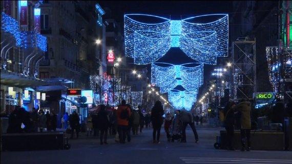15min.lt nuotr./Šventiškai papuoštos Briuselio gatvės