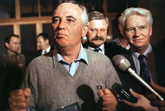 """AFP/""""Scanpix"""" nuotr./Sovietų sąjungos prezidentas Michailas Gorbačiovas (1991 m. rugpjūčio 21 d.)"""