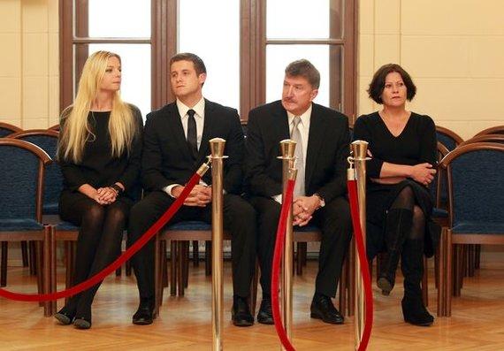 Irmanto Gelūno/15min.lt nuotr./Adomas ir Monika Žadeikos (kairėje), Romualdas ir Juratė Žadeikos (dešinėje)