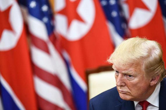 """AFP/""""Scanpix"""" nuotr./Trečią kartą susitiko Donaldas Trumpas ir Kim Jong Unas"""