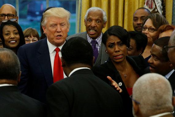 """""""Reuters""""/""""Scanpix"""" nuotr./Donaldas Trumpas ir Omarosa Manigault-Newman"""