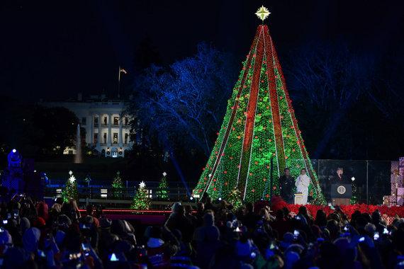 """""""Scanpix""""/AP nuotr./Nacionalinės JAV Kalėdų eglės įžiebimo ceremonija"""