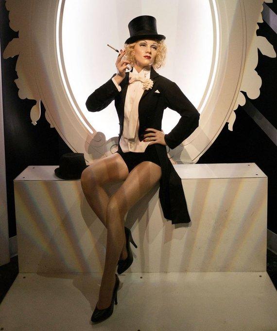"""""""Scanpix""""/""""Sipa Press"""" nuotr./Prieš 112 metų gimė Marlene Dietrich (nuotraukoje vaškinė jos figūra)"""
