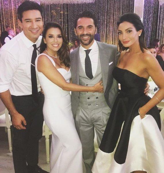 """""""Instagram"""" nuotr./Eva Longoria ir Jose Antonio Bastonas su Mario Lopezu ir jo žmona Courtney"""