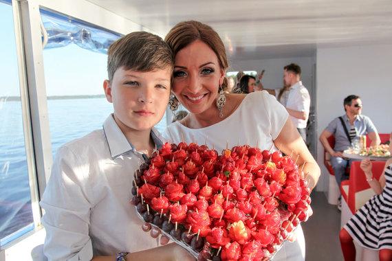 Image by Ingrida Taparauskaitė / Gerda Stiklickienė with son Mark