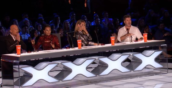 """Video kadras/""""Amerikos talentų"""" teisėjai Howie Mandelas, Mel B, Heidi Klum ir Simonas Cowellas"""