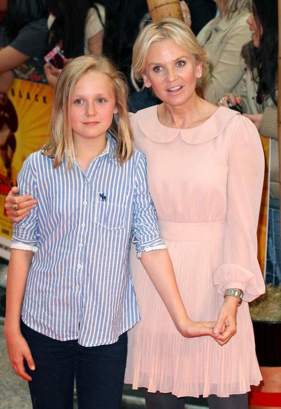 Vida Press nuotr./Beau Jessop su savo mama, britų aktore Lisa Maxwell (2011 m.)