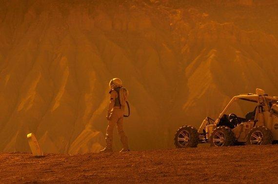 """Kadras iš filmo/Asa Butterfieldas filme """"Tūkstančiai mylių iki tavęs"""""""