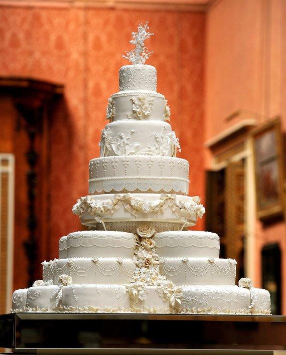 """""""Scanpix"""" nuotr./Princo Williamo ir Kate Middleton vestuvinis tortas"""
