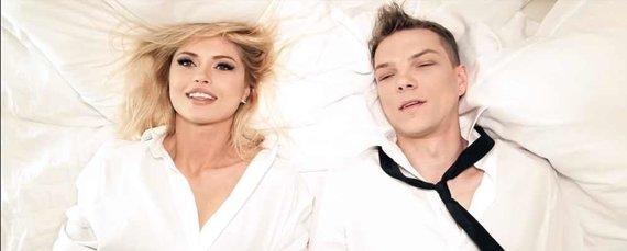 Video kadras/Jolanta Leonavičiūtė ir Algirdas Grudinskis-Grūdas čiužinių reklamoje