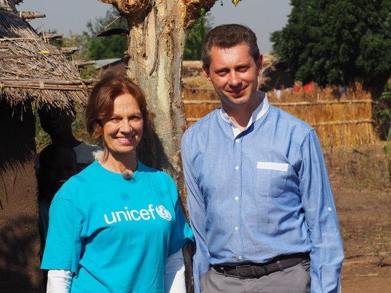 UNICEF nuotr./Virginija Kochanskytė ir Ričardas Doveika UNICEF misijoje Malavyje