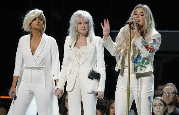 """Reuters""/""Scanpix"" nuotr./Bebe Rexha, Cyndi Lauper ir Kesha"