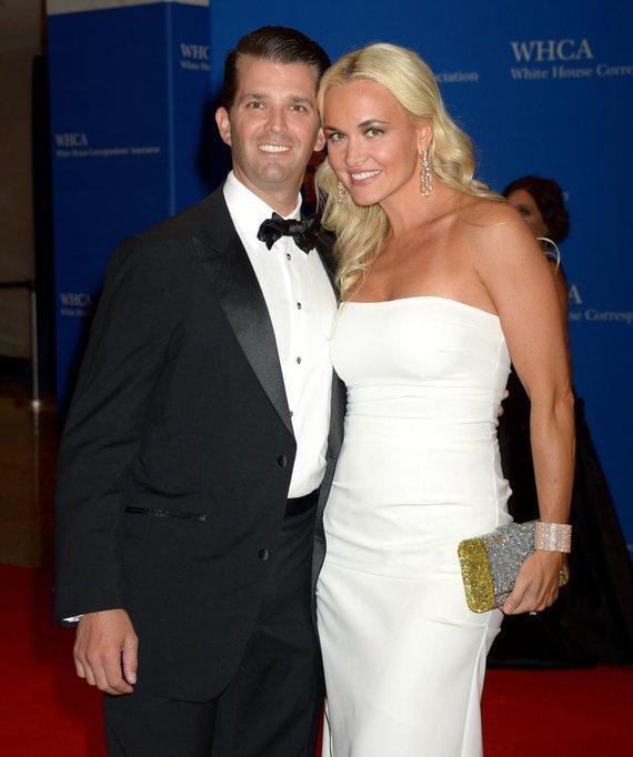 Vida Press nuotr./Donaldas Trumpas jaunesnysis su žmona Vanessa
