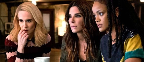 """Kadras iš filmo/Sarah Paulson, Sandra Bullock ir Rihanna filme """"Oušeno aštuntukas"""""""