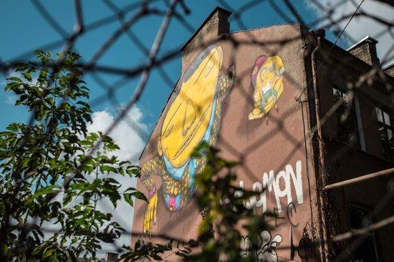 Tautvydo Stukaus nuotr./OSGEMEOS piešinys Vilniaus Pylimo gatvėje
