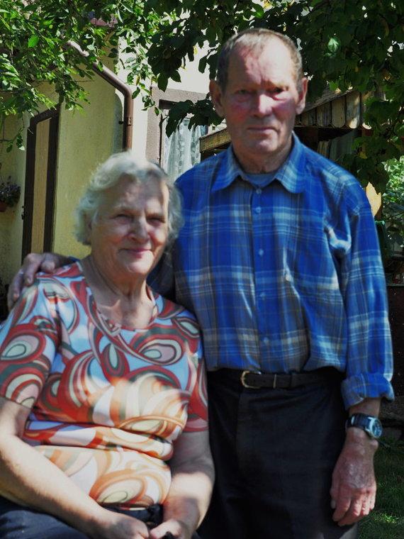 Vytauto Karsoko nuotr./Horstas Fischeris su žmona Leonora savo namuose Vištytyje
