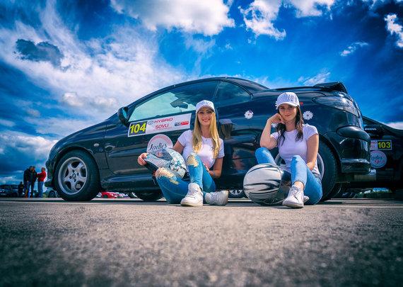 """Foto Jurga Anusauskienė/""""Kuusamet Group Rally Elektrėnai 2020"""" papuoš vairuojančių damų desantas"""
