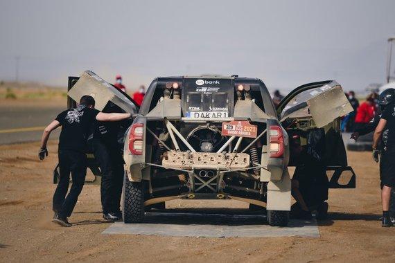 Vytauto Pilkausko nuotr./B.Vanagas ir F.Palmeiro paskutiniuose Dakaro etapuose