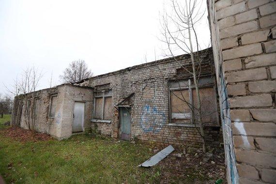 Šalia Santariškių gatvės nugriovus apleistus pastatus ketinama tiesti naują gatvę.