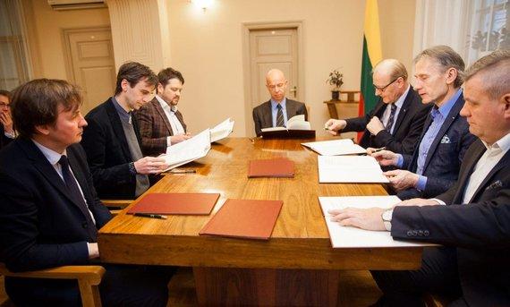 vasario16aktas.lt nuotr./Vasario 16-osios fondo tarybos posėdis