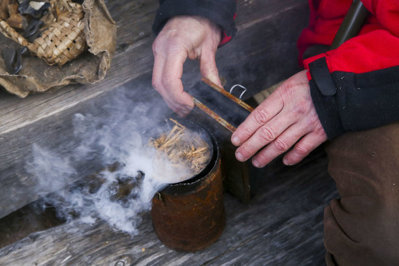 Mato Miežonio/15min nuotr./Drevinė bitininkystė Dzūkijoje