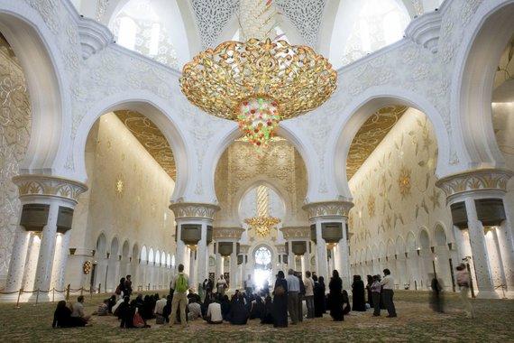 "AFP/""Scanpix"" nuotr./Didžioji Šeicho Zaido mečetė"