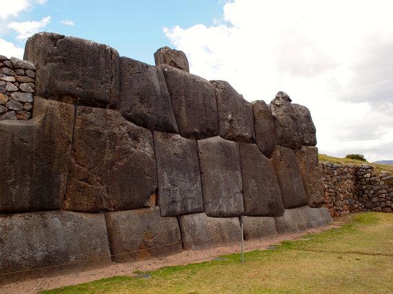 A.Kondrotaitės nuotr./Kusko gynybinė tvirtovė. Sacsayhuaman – inkų statymo meno pavyzdys