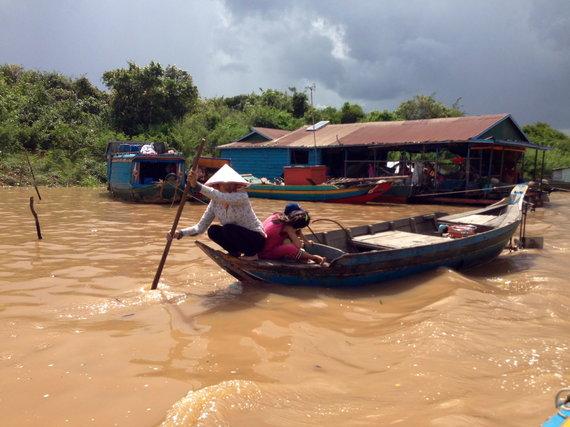 Sandros Voskaitės nuotr./Kambodža. Plaukiojanti gyvenvietė Tonle Sap ežere.