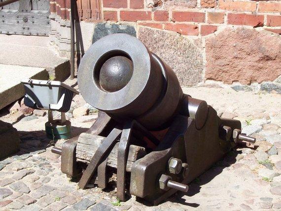 Marienburgo (Malborko) pilyje saugoma kryžiuočių bombarda
