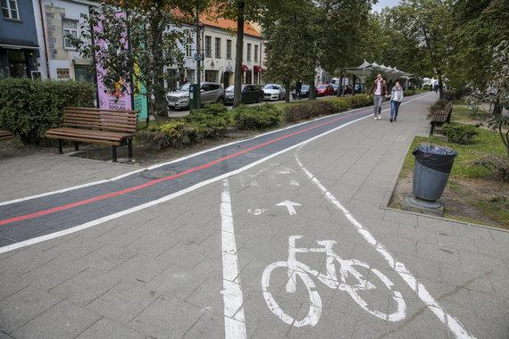 Luko Balandžio / 15min nuotr./Nenutrinta dviračių juosta Vokiečių gatvėje