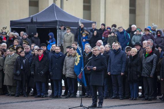 Luko Balandžio / 15min nuotr./Valstybės vėliavos pakėlimo ceremonija Nepriklausomybės aikštėje