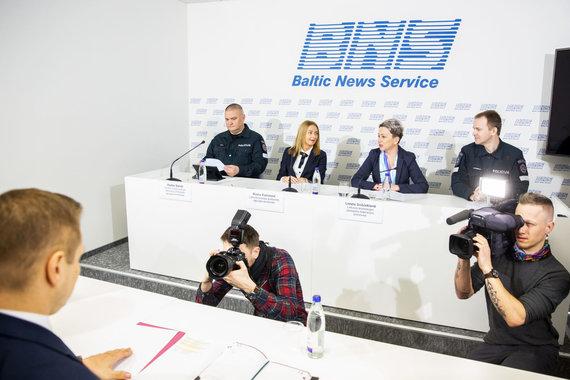 Luko Balandžio / 15min nuotr./Statutinių pareigūnų profsąjungų spaudos konferencija