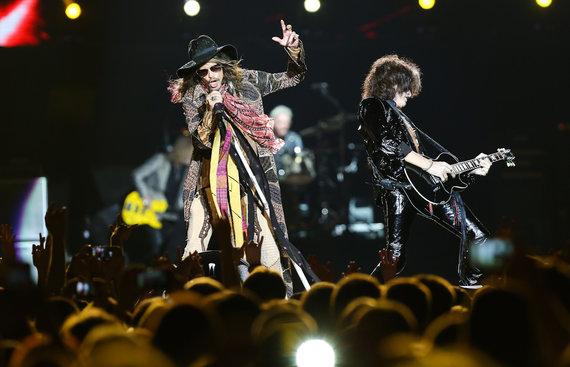 """Luko Balandžio nuotr./Stevenas Tyleris ir Joe Perry per """"Aerosmith"""" koncertą Vilniuje 2014-aisiais"""