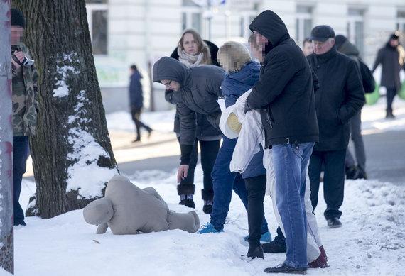 Luko Balandžio/Žmonės.lt nuotr./Vilniuje atliekamas Tomo Dobrovolskio žmogžudystės tyrimas