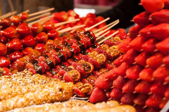 Shutterstock.com nuotr./Cukruotos gudobelės uogos