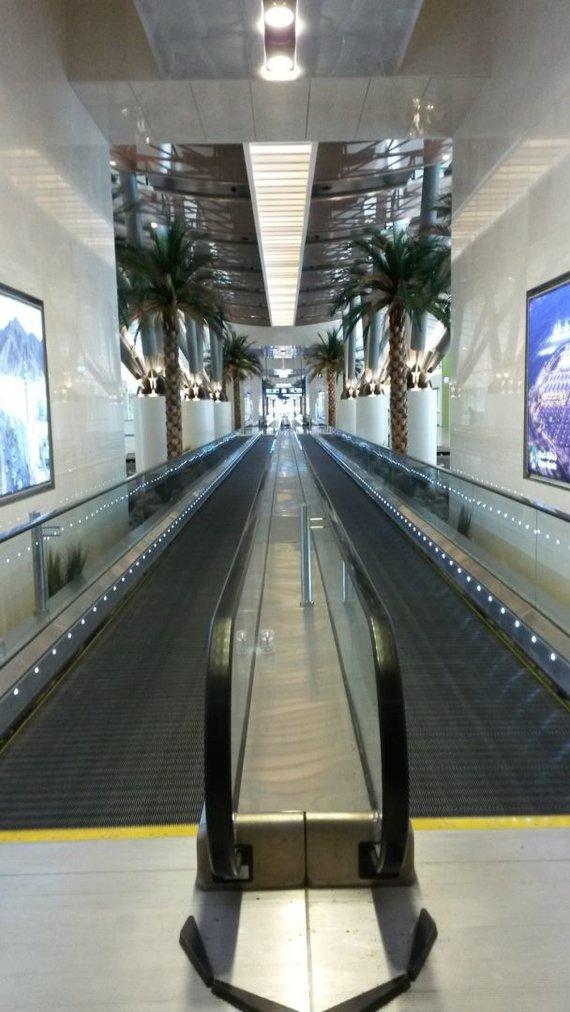 Asm.archyvo nuotr./Maskato oro uostas