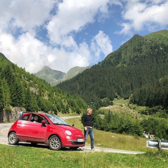 """Po Rytų Europą lietuviai važinėjo nediduku """"Fiat 500"""", Andriaus nuotr."""